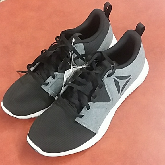 acc7558f256 Reebok hydrorush running athletic shoes